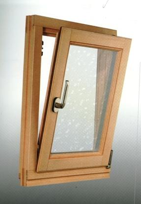 montazna kuca prozor